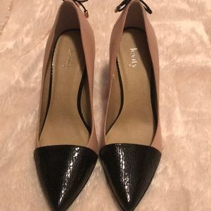 Levity Black and Tan Shoes